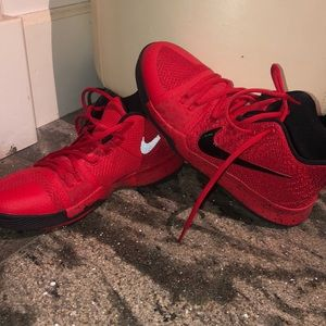 Red Kyrie 3's (NOT AVAILABLE IN STORES ANYMORE)
